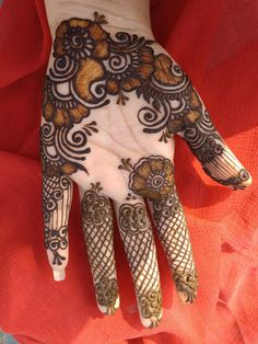 Back Hand Mehndi Designs, Mehndi Images, Hand Henna, Hand Tattoos, Hacks, Baby, Decor, Decoration, Mehndi Pictures