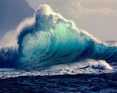 breathtaking wave of ocean blues