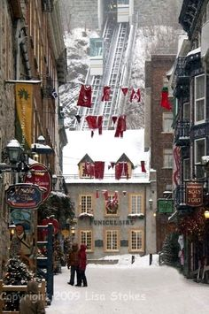Christmas in Place Royale, Quebec, Canada (by Lisa-S on Flickr)