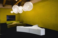 Fantoni – купить офисную мебель итальянской фабрики Fantoni из Италии по низким ценам в PALISSANDRE.ru Wood Paneling, Cool Websites, Ceiling Lights, Lighting, Architects, Design, Home Decor, Homemade Home Decor, Woodwork