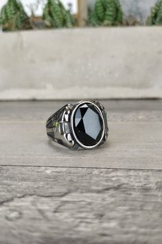 Ανδρικό δαχτυλίδι 'Black Hole' (Ατσάλι) Men Rings, Class Ring, Jewelry Accessories, Black, Male Rings, Black People, All Black, Man Ring