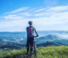 There are many different kinds and styles of mtb that you have to pick from, one of the most popular being the folding mountain bike. The folding mtb is extremely popular for a number of different … Cycling Gloves, Cycling Bikes, Cycling Shorts, Cycling Equipment, Mountain Bike Helmets, Mountain Biking, Die Eifel, Road Bike Women, Tips