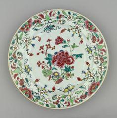 Jingdezhen Porcelain (Jiangxi Province, China) —  Plate, c.1730-1750 : Royal Collection Trust, Her Majesty Queen Elizabeth II, UK (1982x2000)