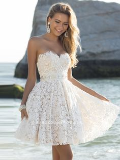 A-line Sweetheart  Beading  Sleeveless Short / Mini  Lace  Cocktail Dresses / Homecoming Dresses