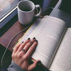 Kitap + Kahve = Mutluluk
