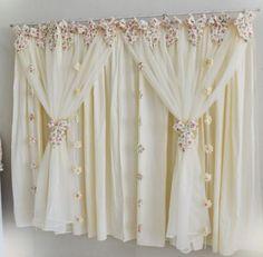 cortinas para quarto branca com detalhes floridos                                                                                                                                                      Mais