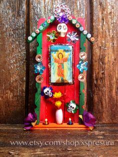 Holy Child Miniature Nicho / Day-of-the-Dead Altar / by XSpresura