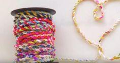 Čo so starými tričkami? Vyrobte si tašku, košík, šperky alebo hračku pre psíka, fotopostupy - Artmama.sk Friendship Bracelets, Ale, Jewelry, Decor, The Splits, Jewlery, Decoration, Jewerly, Ale Beer