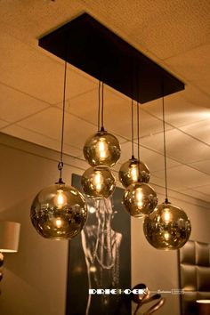 Hanglamp Splended Bowls Onze Hanglampen Splended Naked Bowls non employable! Ceiling Light Design, Chandelier Ceiling Lights, Ceiling Fixtures, Dining Room Lighting, Home Lighting, Hanging Lights Living Room, Hanging Lamps, Room Interior, Interior Design Living Room