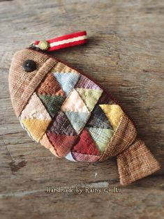 Sewing Art, Sewing Crafts, Sewing Projects, Patchwork Bags, Quilted Bag, Handmade Wallets, Handmade Bags, Origami Bag, Small Quilts