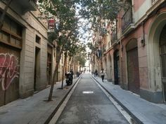 Why you should visit Barcelona – hipster vs. gafapastas | Girl in Florence
