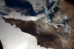 """Sam Cristoforetti on Twitter: """"How do you like what the sunglint is making of this bay in Baja California? #HelloEarth http://t.co/ztrCazVbH1"""""""