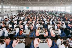 Burtynsky.China.Cafeteria.jpg (1024×683)...right at work..great idea