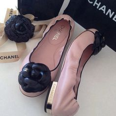 some day hope to have some Chanel Chanel Fashion, Fashion Shoes, Cute Shoes, Me Too Shoes, Chanel Flats, Chanel Pink, Chanel Chanel, Shoe Boots, Shoes Heels