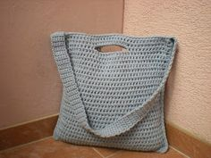 Tote with handle and shoulder strap free crochet pattern