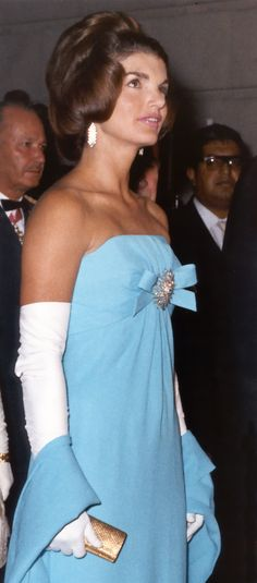 Mrs. Kennedy in azure blue silk crepe Giselle by Oleg Cassini at reception in Mexico City, 30 June 1962.