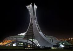 Le Stade Olympique de Montréal Nuit Arriere-Gauche
