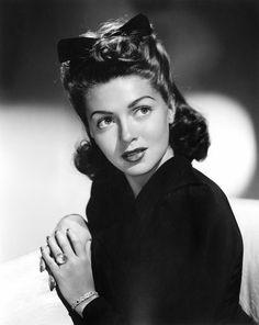 "classic-hollywood-glam: ""Lana Turner """