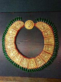 A gold bride tikma necklace. Private collection