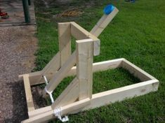 A tutorial on how to make the big wyvern catapult. This is a pretty powerful catapult and not a table top model. Catapult Diy, Catapult For Kids, Destination Imagination, Ball Launcher, Outside Games, Fun Outdoor Games, Medieval, Dragon Party, Cool Things To Make