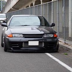 Nissan Skyline R32 GTR http://amzn.to/2sqd2fG