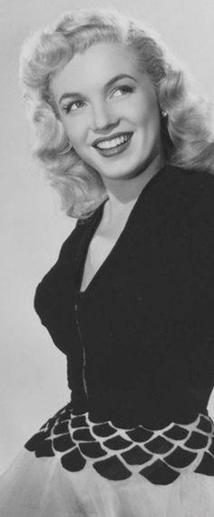 1948: Marilyn Monroe photo shoot …. #marilynmonroe #pinup #monroe #marilyn #normajeane #iconic #sexsymbol #hollywoodlegend #hollywoodactress #1940s