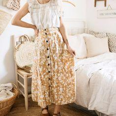 Vintage Cream Romantic Floral Skirt — Calico and Twine Modest Fashion, Boho Fashion, Vintage Fashion, Fashion Outfits, Modest Summer Outfits, Cool Outfits, Into The Fire, Linen Blouse, Slow Fashion