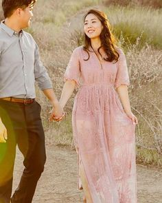 """5a43744143e02a Pippa   Pearl on Instagram  """"Starting the week with a refreshing vibe from   herajkim. Still one of our favorite engagement photos to date!"""