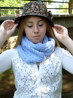Crochet Cables Cowl by Linda Skuja   Free crochet cabled cowl pattern on Tangled.