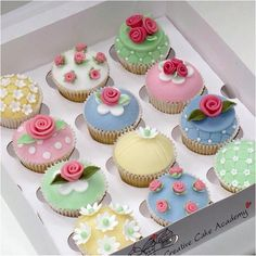 Cath Kidston cupcakes - creative cake academy