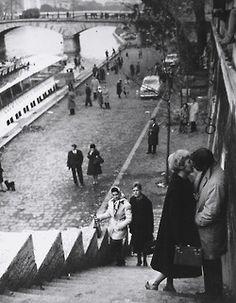 Me pregunto qué fue de estos amantes. Paris 1961   Photo: Martin Munkacsi