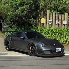 Blacked. ⚫️ ➖➖➖➖➖➖➖➖➖➖➖➖➖➖ #CarsFromGermany // via: @fredxiao0816…