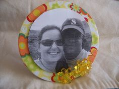 Porta retrato feito com CD Upcycled Crafts, Cd Crafts, Arts And Crafts, Diy For Kids, Crafts For Kids, Old Cds, Fathers Day Crafts, Holiday Crafts, Beautiful Pictures