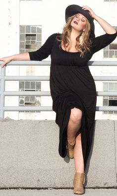 Life Styled Look 67: Lovely In Lois #swakdesigns #Curvy #PlusSize