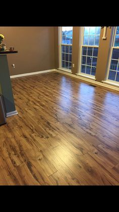 Laminate Flooring Hallway Direction Ums187c0 Downsize