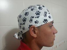 f86b310c733ce TOUCA CIRÚRGICA MASCULINA EM TECIDO DE ALGODÃO 100% LINDA ESTAMPA DE  PATINHAS. CAIMENTO PERFEITO !