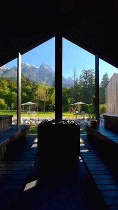 Spürt die wohltuende Wärme: im waldSPA laden Saunen, Dampfbäder sowie gesundheitsfördernde Infrarotkabinen zur Entspannung ein. Erholungssuchende entspannen in unser großen finnischen Seesauna direkt im Badesee des Naturhotels und genießen dabei noch den unvergleichlichen Blick auf die Leoganger Steinberge. Steam Bath, Recovery, Nature