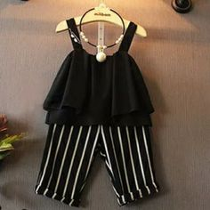 Fashion Clothes For Toddlers Baby Frocks Designs, Kids Frocks Design, Cute Little Girls Outfits, Kids Outfits Girls, Kids Dress Wear, Little Girl Dresses, Unique Baby Girl Clothes, Baby Girl Dress Patterns, Baby Outfits Newborn