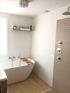Small bathroom, wood, free standing tub