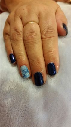 #gel #nails marble effect feature nail
