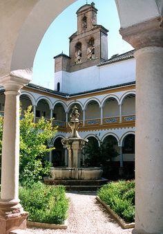 Claustro de la Iglesia de los Franciscanos. Lucena, Córdoba.