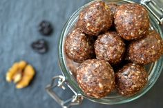 Cherry & Tahini Energy Balls - you will be shocked at how delicious these protein packed bites are (vegan, paleo, refined sugar free) Protein Energy Bites, No Bake Energy Bites, Energy Balls, High Protein, Tahini, Sugar Free Vegan Desserts, Vegan Dessert Recipes, Vegan Sweets, Yummy Snacks