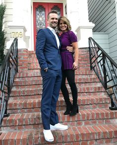 Fuller House - John & Candace On The Front Steps - Matt & DJ