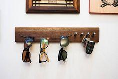 Simple solid wood walnut sunglass hanger sunglass rack