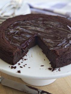 Decadent (Gluten Free!) Chocolate Cake - Barefoot Contessa