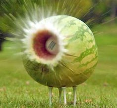Long-Drive Champion Takes on Watermelon… and Wins http://www.centroreservas.com/