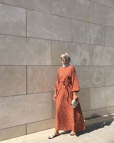 Hijab Outfit Trend You Need To Try in Early 2020 – Hijab Fashion 2020 Hijab Fashion Summer, Modest Fashion Hijab, Muslim Fashion, Hijab Outfit, Modest Outfits Muslim, Modest Maxi Dress, Maxi Dresses, Hijab Fashionista, Hijab Fashion Inspiration