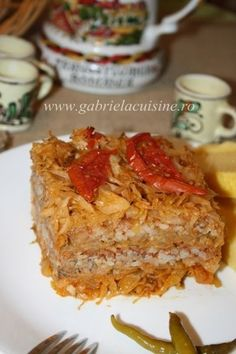 Varza a la Cluj Gordon Ramsey, My Recipes, Dinner Recipes, Cooking Recipes, Jamie Oliver, Hungarian Recipes, Romanian Recipes, Good Food, Yummy Food