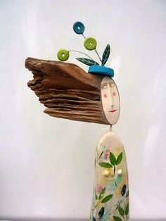 wooden figures Lynn Muir or what can be done with pieces of wood Wooden Crafts, Diy And Crafts, Arts And Crafts, Paper Crafts, Clay Dolls, Art Dolls, Beach Themed Crafts, Artistic Installation, Paperclay
