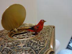 Vintage Karl Griesbaum Singing Bird Box Clockwork Automaton Watch The Video Bird Boxes, Watch Video, Singing, Music Boxes, Automata, Gifts, Ebay, Vintage, Collection